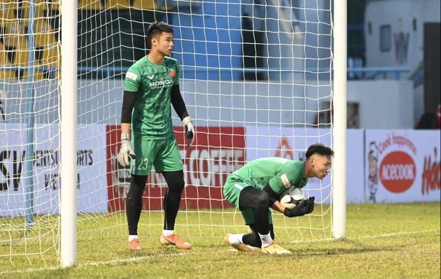 Tuyển Việt Nam 0-0 U22 Việt Nam (Hiệp 1): Văn Quyết ghi dấu ấn - 7
