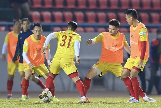 Tuyển Việt Nam 0-0 U22 Việt Nam (Hiệp 1): Văn Quyết ghi dấu ấn - 6