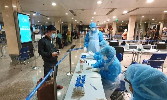 Sân bay Tân Sơn Nhất được cấp chứng chỉ đảm bảo an toàn vệ sinh dịch tễ - 1
