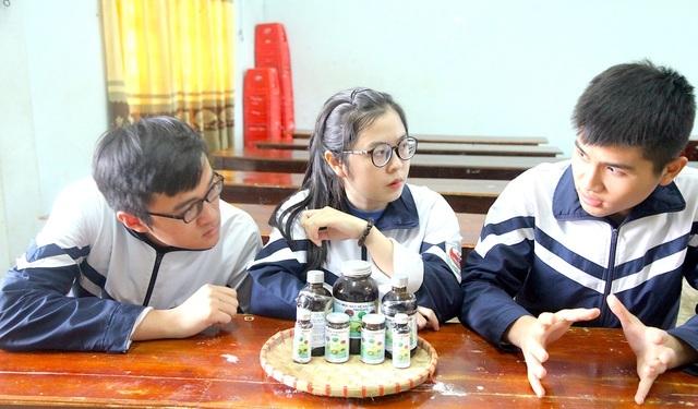 Nữ sinh xứ Nghệ ẵm giải khởi nghiệp nhờ dự án thảo mộc bảo vệ rau, hoa màu - 4