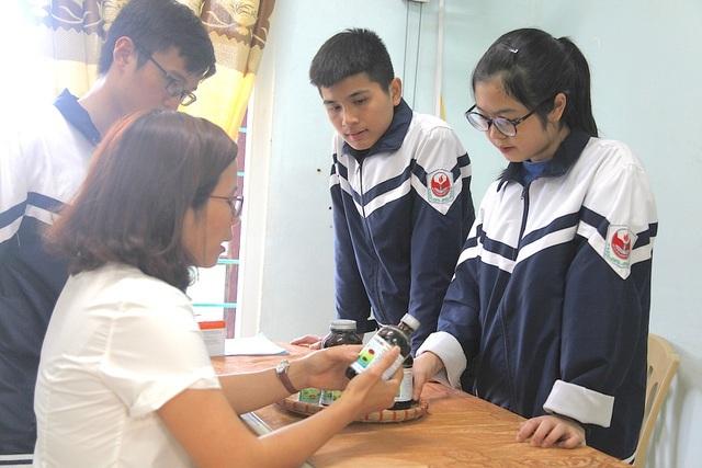 Nữ sinh xứ Nghệ ẵm giải khởi nghiệp nhờ dự án thảo mộc bảo vệ rau, hoa màu - 3