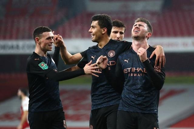 Arsenal 1-4 Man City: Pháo thủ thêm bết bát - 3