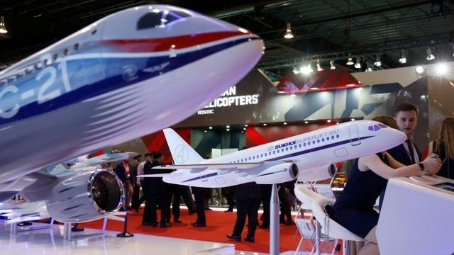 Mỹ trừng phạt 103 công ty có liên hệ với quân đội Nga và Trung Quốc - 2