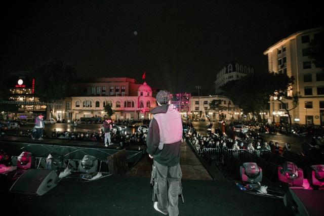 Nhà hát Lớn Hà Nội biến hình trong đêm Countdown Giáng sinh - 11