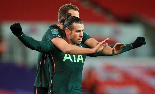 Vừa mới tỏa sáng, Gareth Bale lại... gặp hạn - 1