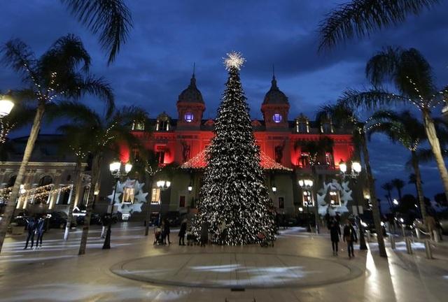 Thế giới đón Giáng Sinh trong bóng ma Covid-19 - 13