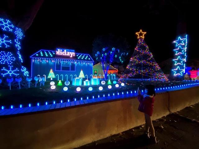Thế giới đón Giáng Sinh trong bóng ma Covid-19 - 11