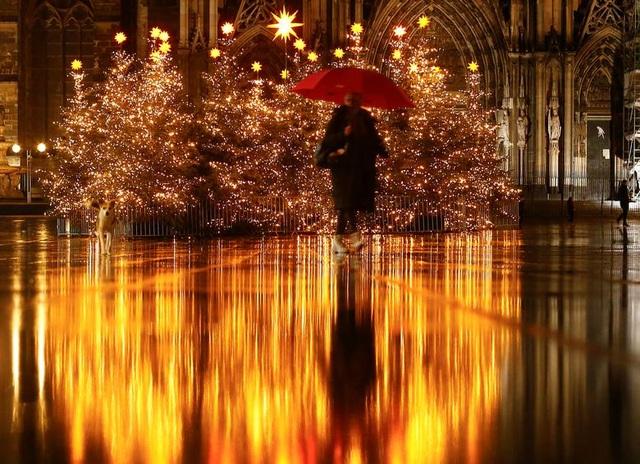 Thế giới đón Giáng Sinh trong bóng ma Covid-19 - 9