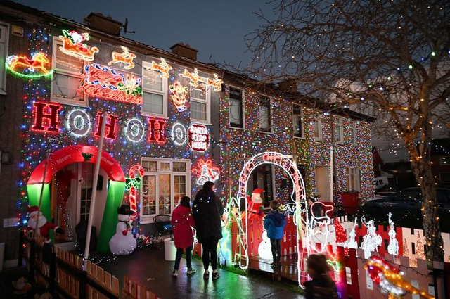 Thế giới đón Giáng Sinh trong bóng ma Covid-19 - 17