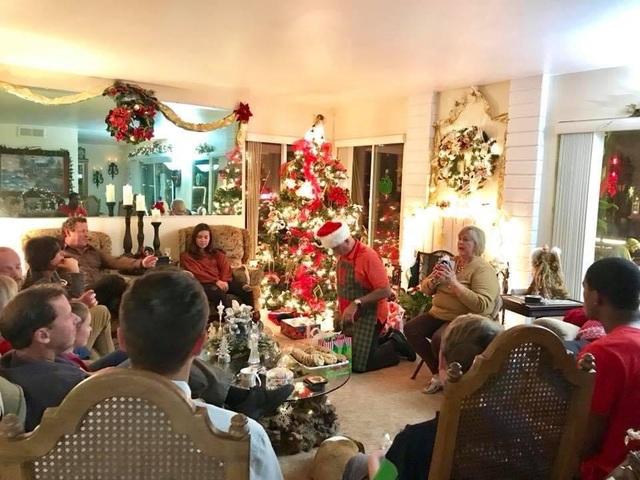 Người Việt đón Giáng sinh buồn ở trời Tây: không lễ hội, mở quà qua... mạng - 2