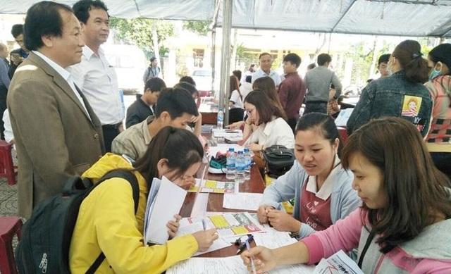 Quảng Ngãi: Thị trường lao động bắt đầu tan băng - 2