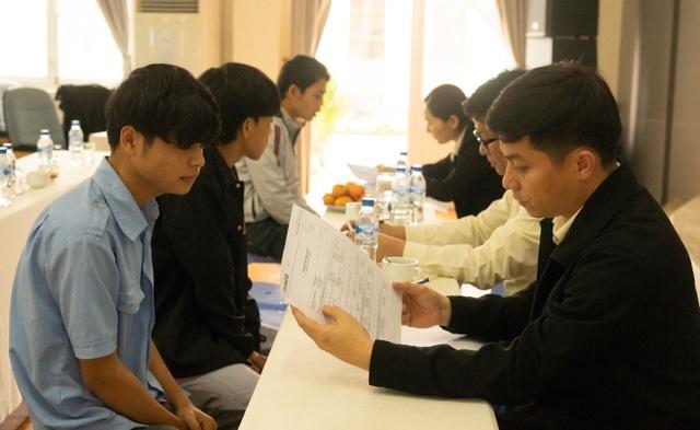 Quảng Ngãi: Thị trường lao động bắt đầu tan băng - 3