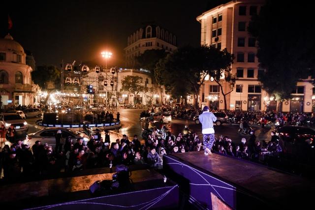Nhà hát Lớn Hà Nội biến hình trong đêm Countdown Giáng sinh - 13