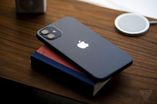Loạt iPhone chính hãng giảm giá mạnh dịp cận Tết - 2