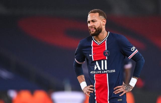 Neymar bất ngờ thả thính chân dài bốc lửa - 2