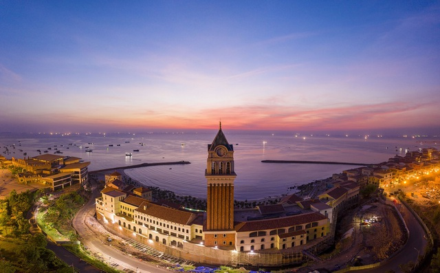 New Year Countdown 2021 Nam Phú Quốc - Đại tiệc âm nhạc và ánh sáng - 3