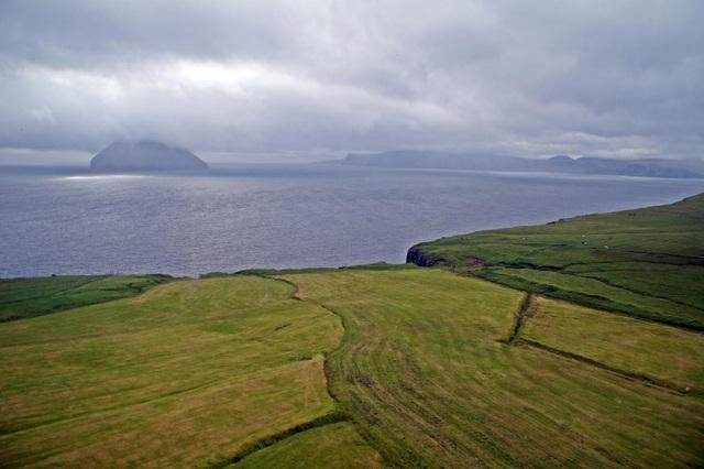 Cuộc sống trên hòn đảo đẹp như thiên đường nhưng chỉ có 9 người ở - 11