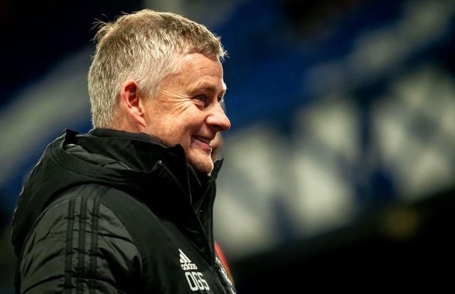 HLV Solskjaer cảnh báo cầu thủ Man Utd cần giữ cái đầu lạnh - 1