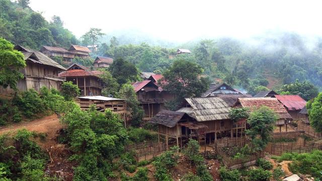 Bài 1: Chung tay xóa trũng nghèo miền Tây Nghệ An - 1
