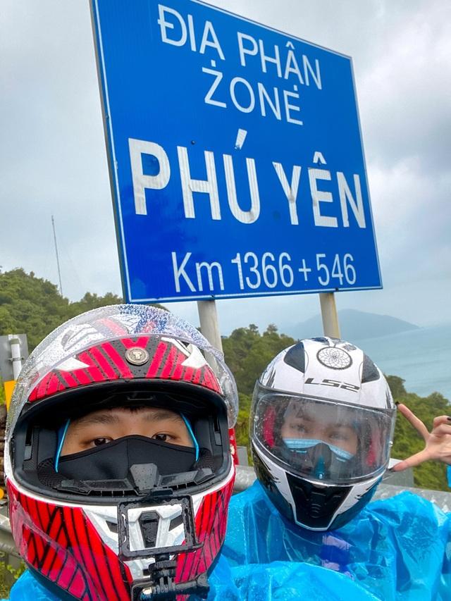 Cặp đôi 9x dành 33 ngày đi 6.000km du lịch khắp Việt Nam - 1