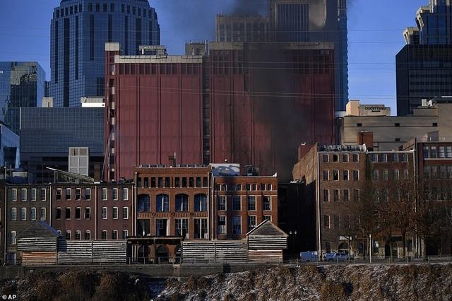 Vụ nổ kinh hoàng làm rung chuyển thành phố Mỹ - 2
