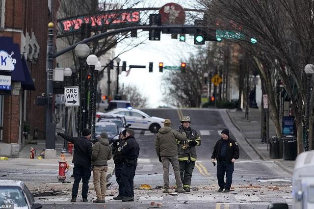Vụ nổ kinh hoàng làm rung chuyển thành phố Mỹ - 7