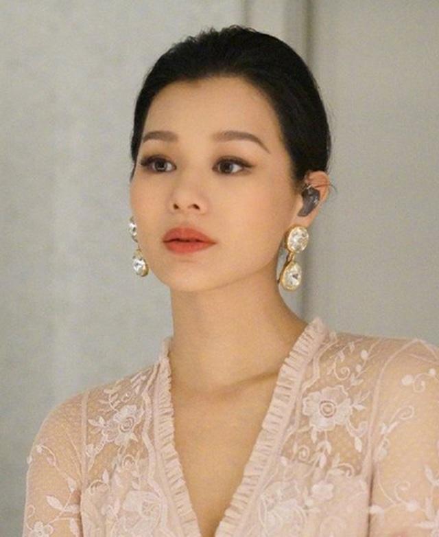 Hồ Hạnh Nhi thừa nhận mang thai lần 3 ở tuổi 41 - 9