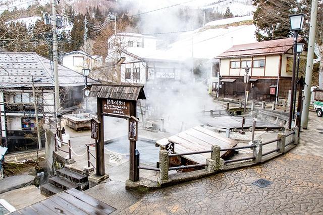 Tắm onsen tại khu trượt tuyết đẳng cấp thế giới - 2