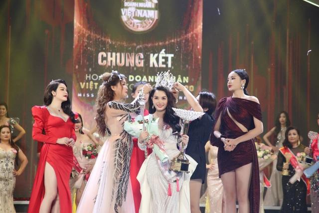 Nhà báo Đặng Gia Bena: Không có việc mua, bán giải Hoa hậu Doanh nhân Việt Nam Toàn cầu 2020 - 4