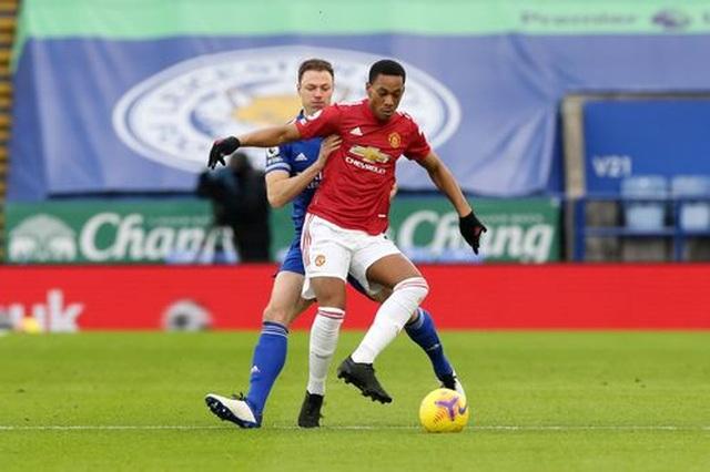 Hàng thủ lỏng lẻo, Man Utd tuột chiến thắng trước Leicester - 4