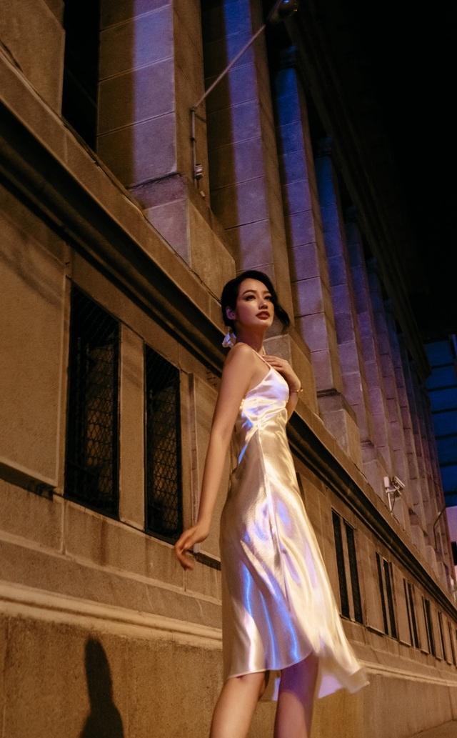 Ông xã Trương Tri Trúc Diễm không khó chịu khi vợ diện trang phục gợi cảm - 6