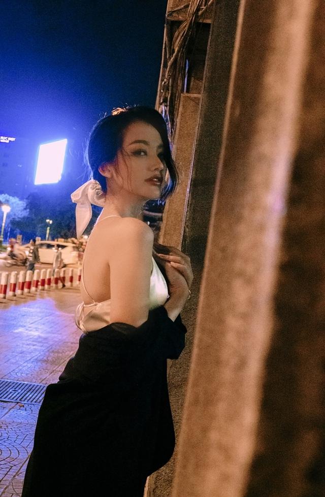 Ông xã Trương Tri Trúc Diễm không khó chịu khi vợ diện trang phục gợi cảm - 3