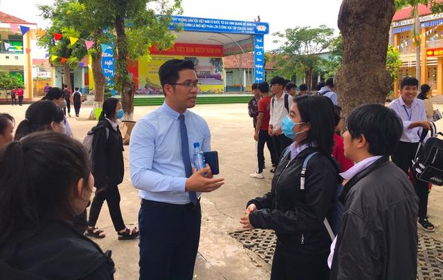 Bình Phước: Tư vấn 15.000 học sinh THPT hướng ra nghề nghiệp - 4