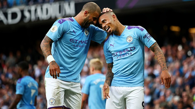 Man City nhận hung tin trong cuộc đua vô địch Premier League - 1