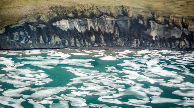 Khí nhà kính ẩn náu trong lớp băng vĩnh cửu dưới Bắc Băng Dương - 1
