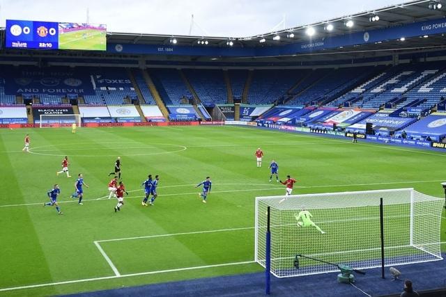 Hàng thủ lỏng lẻo, Man Utd tuột chiến thắng trước Leicester - 6