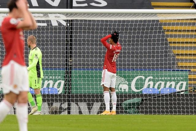 Hàng thủ lỏng lẻo, Man Utd tuột chiến thắng trước Leicester - 3