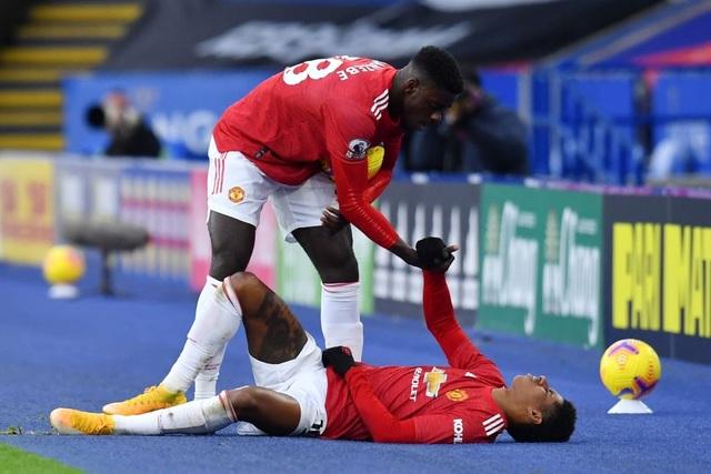 Hàng thủ lỏng lẻo, Man Utd tuột chiến thắng trước Leicester - 20