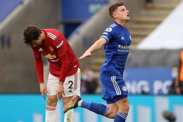 Hàng thủ lỏng lẻo, Man Utd tuột chiến thắng trước Leicester - 9
