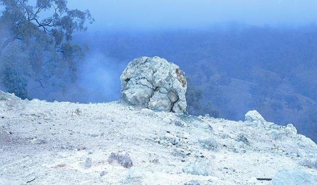Ngọn lửa từ than lâu đời nhất thế giới đã cháy trong suốt 6.000 năm qua - 1