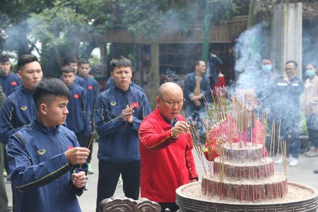 Vé chợ đen xem đội tuyển Việt Nam tăng gấp 4 lần giá gốc - 3