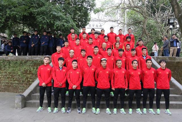 Vé chợ đen xem đội tuyển Việt Nam tăng gấp 4 lần giá gốc - 1