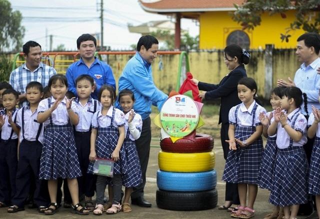 Tuổi trẻ Bình Định mở đợt cao điểm 90 ngày thi đua làm nghìn việc tốt - 4