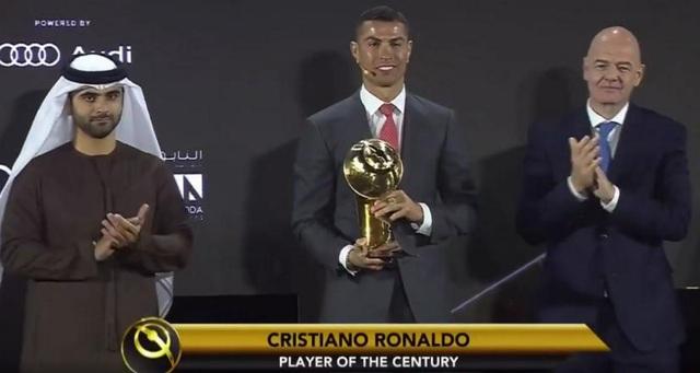 Đánh bại Messi, C.Ronaldo giành giải Cầu thủ xuất sắc nhất thế kỷ - 1