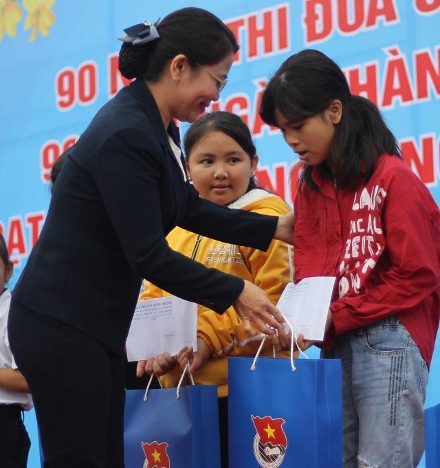 Tuổi trẻ Bình Định mở đợt cao điểm 90 ngày thi đua làm nghìn việc tốt - 3