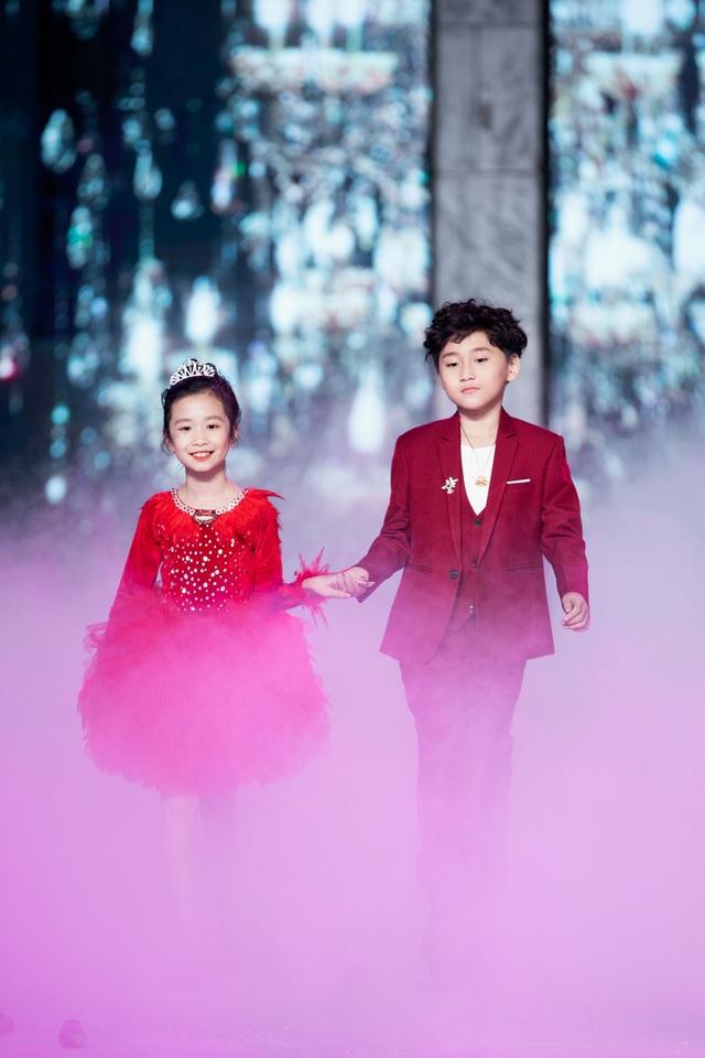 Tuyết rơi tại tuần lễ thời trang trẻ em của Xuân Lan - 8