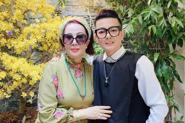 Ca sĩ Vũ Hà hạnh phúc bên bà xã 60 tuổi - 6