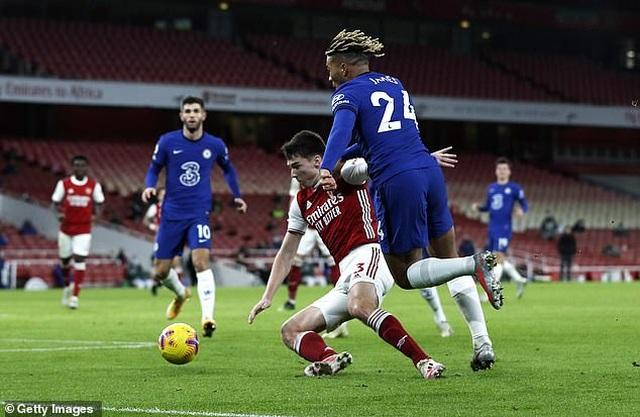 Thua sốc Arsenal, HLV Lampard giận học trò tím mặt vì quá lười chạy - 1
