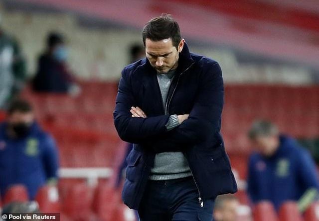 Thua sốc Arsenal, HLV Lampard giận học trò tím mặt vì quá lười chạy - 2