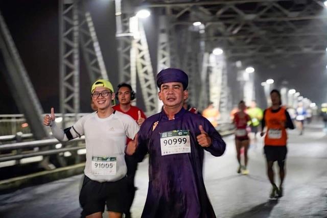 Ông Đoàn Ngọc Hải chinh phục đường chạy 42km tại Huế - 5